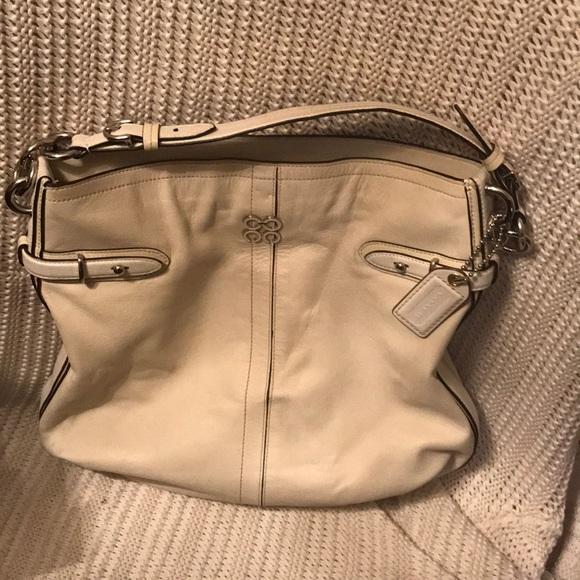 cebb912002 Coach Handbags - CYBER SALE!! Coach Leather Shoulder Bag